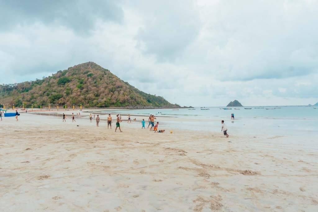 Best beaches in Lombok to surf