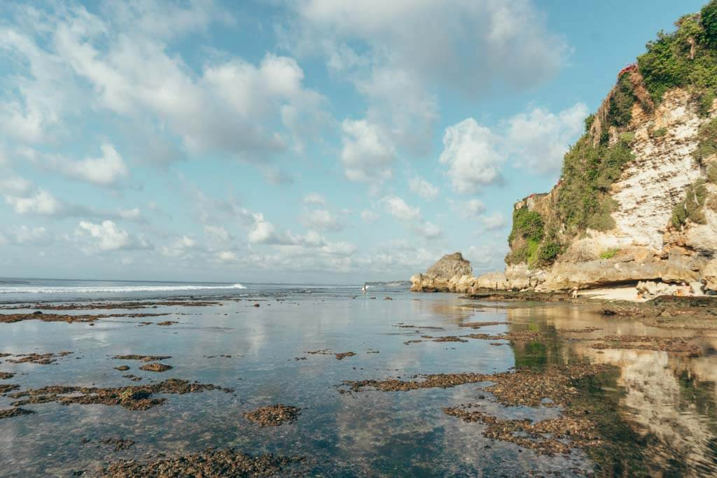 High tide and low tide at the Uluwatu Beaches